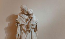 Joseph et Jésus-enfant par Josh Applegate (unsplash.com)
