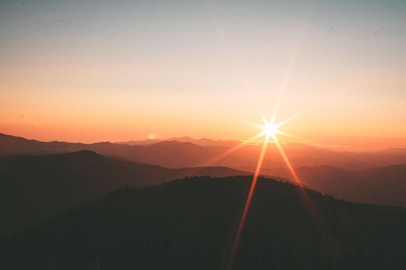 Soleil par Ivana Cajina (unsplash.com)