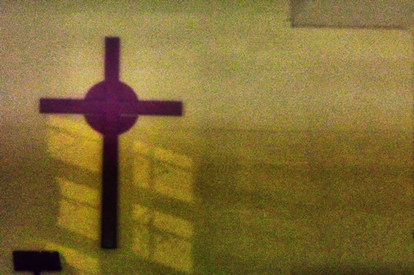 Croix de Thomas Kinto (unsplash.com)