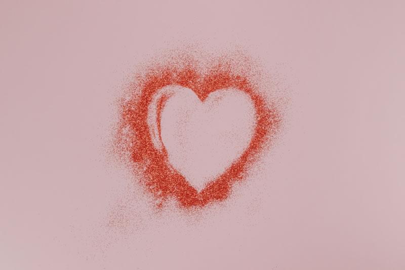 Coeur, symbole de la personne par Pawel Czerwinski (unsplash.com)
